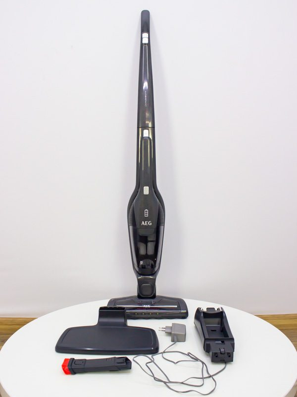 Пылесос вертикальный AEG CX7 2 35FF LPNHK033415055