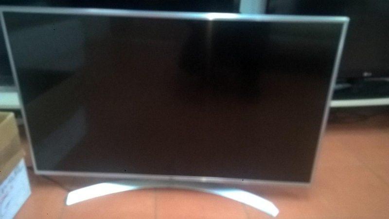 Телевизор LG 43UJ701V