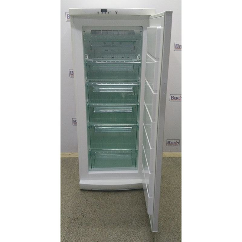 Морозильный шкаф Electrolux EUF2703