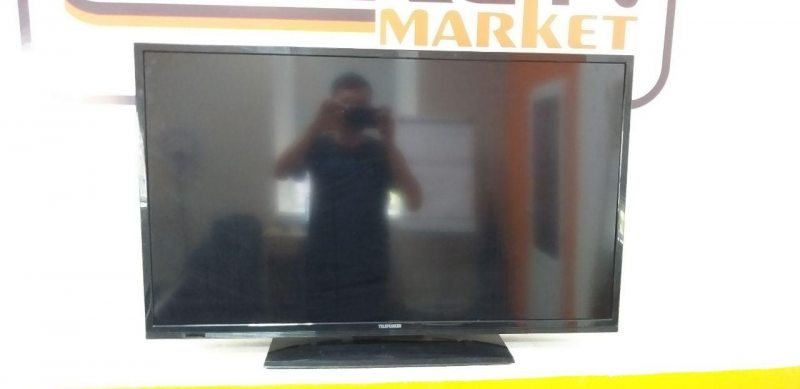 Телевизор Telefunken D40F182N3C