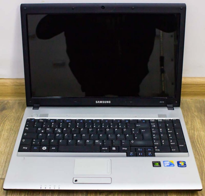 Ноутбук Samsung NPR519