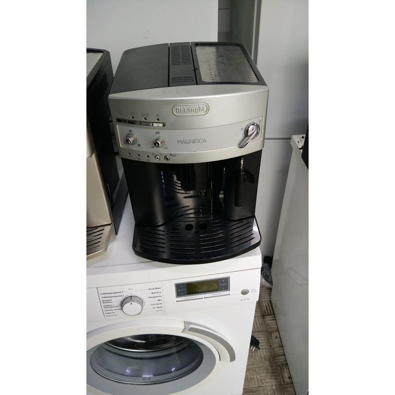 Кофе машина Delonghi Magnifica ESAM3100