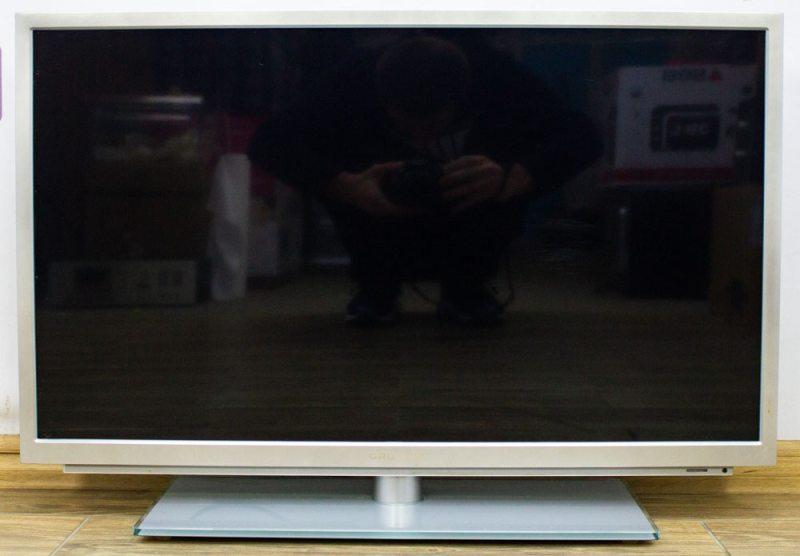 Телевизор Grundig 32VLE9270SL